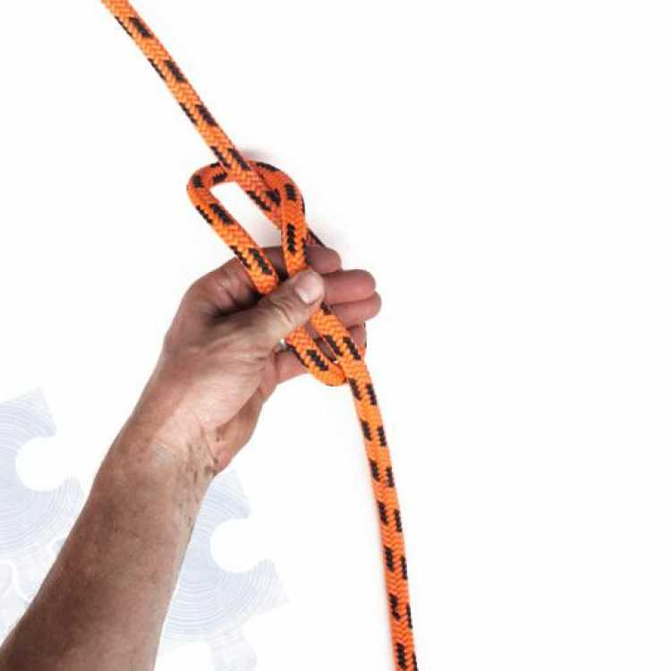 First step on how to tie a Munter Hitch Knot