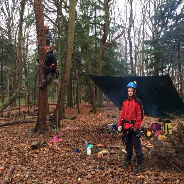 Scott Fraser pole climbing training
