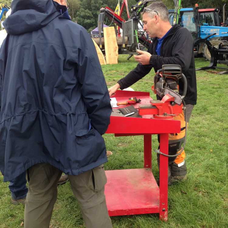 Bentley Woodfair 2017 chainsaw sharpening