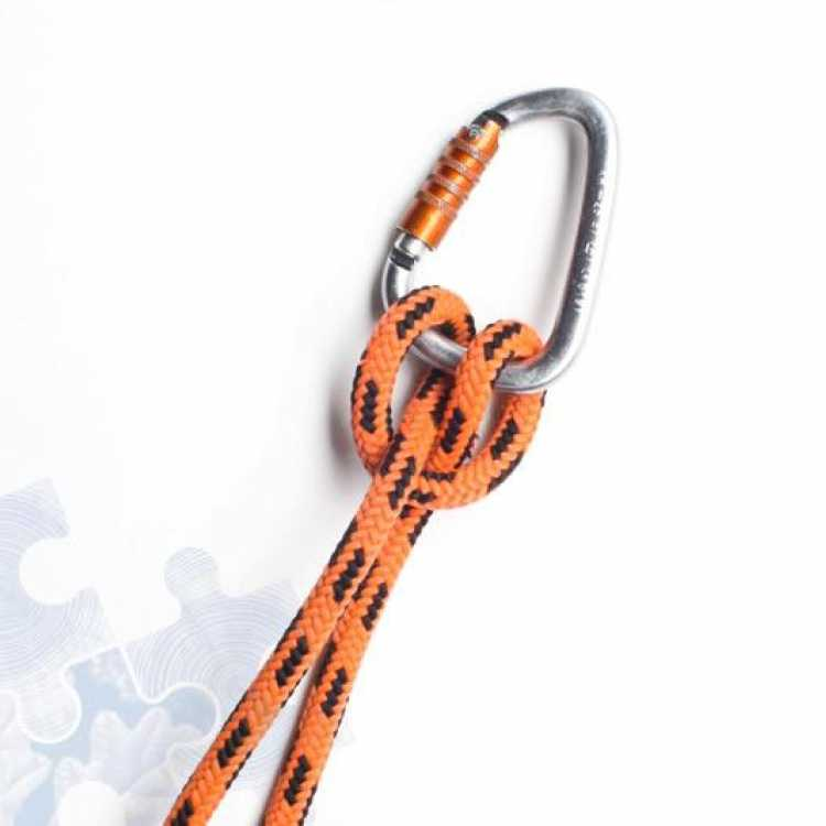 Final step on how to tie a Clove Hitch Knot