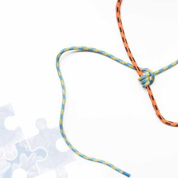 Fourth step on how to tie a Prusik Knot