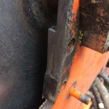 Worn side anvil